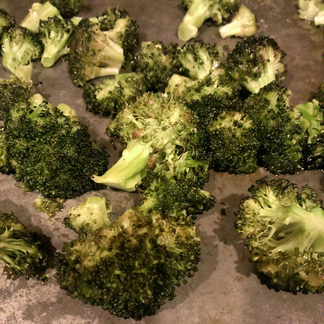 Roasted broccoli #yummy My new favorite way to eat #broccoli. #foodpornindex #food #foodporn #nomnomnom #WeekdaySupper #MeatlessMonday #hearthealthy #healthy #myFFmeal