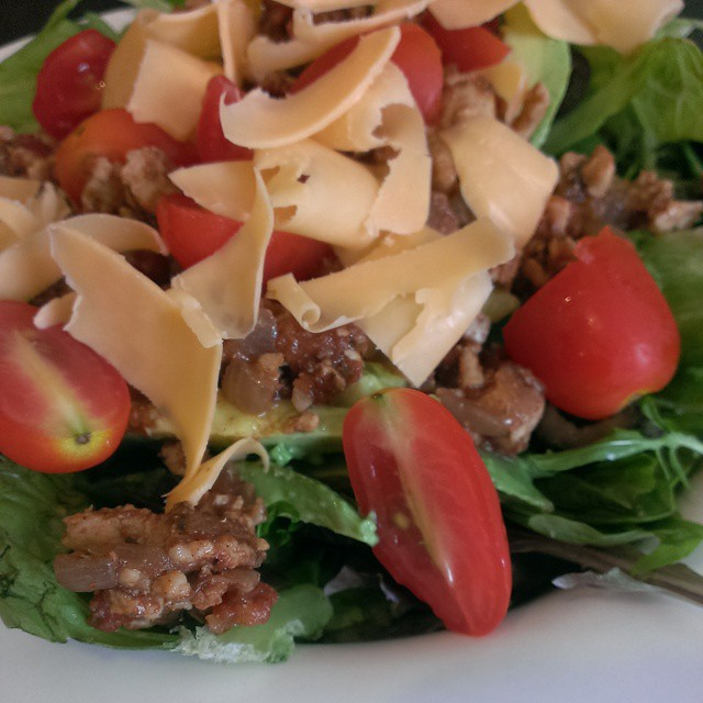 But first lunch! I'm enjoying a taco salad using last night's #TacoTuesday #leftovers. #myFFmeal #food #foodpornindex #foodporn #yummy #rungry #eatallthefood #nomnomnom #healthy #nocarbs #protein