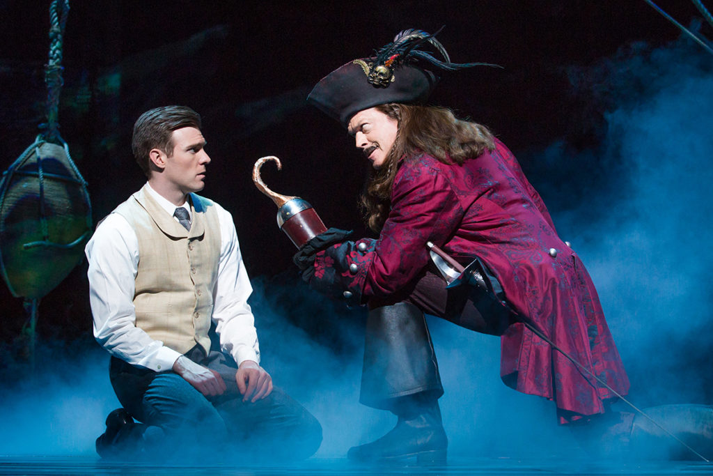 Finding Neverland Tour_Barrie-Hook