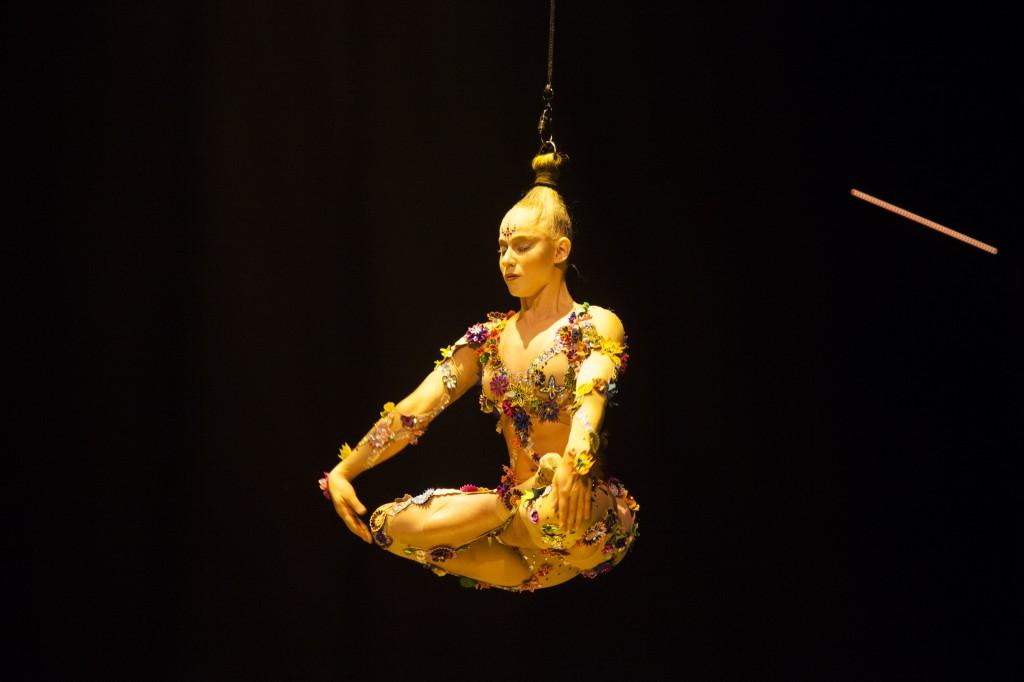 bun stunt - VOLTA - Cirque du Soleil